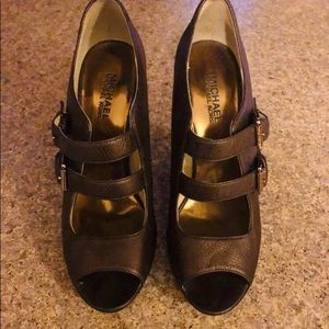 Michael Kors size 9 dress shoe